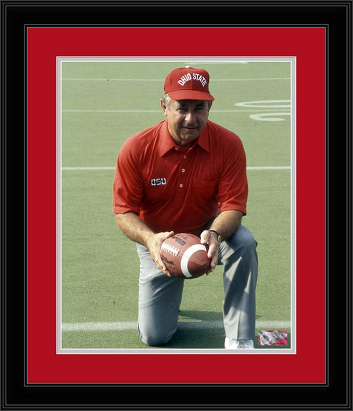 College - Ohio State Buckeyes - Earle Bruce Kneeling - 1987 - Framed Picture