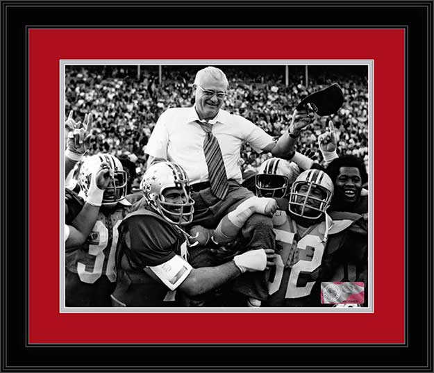 College - Ohio State Buckeyes - Woody Hayes Carried - Tipping Hat - Framed Picture
