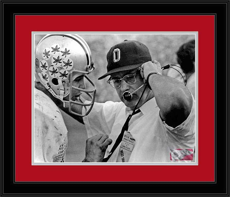 College - Ohio State Buckeyes - Woody Hayes - Rex Kern - 1968 - Framed Picture