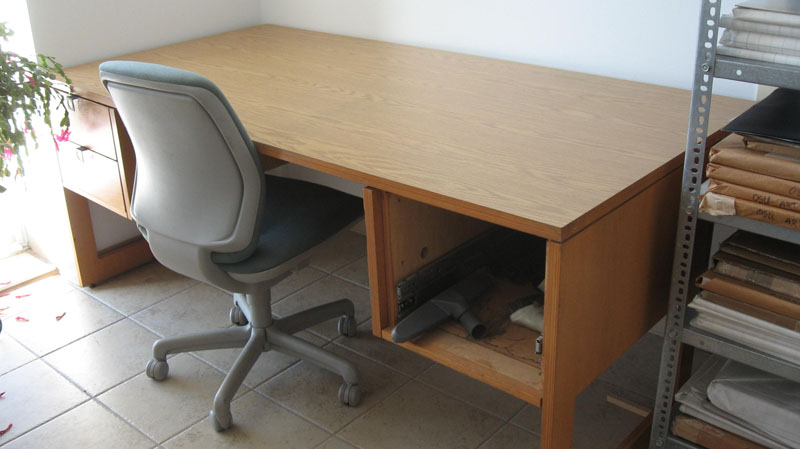 Working Desk with Swivel Chair