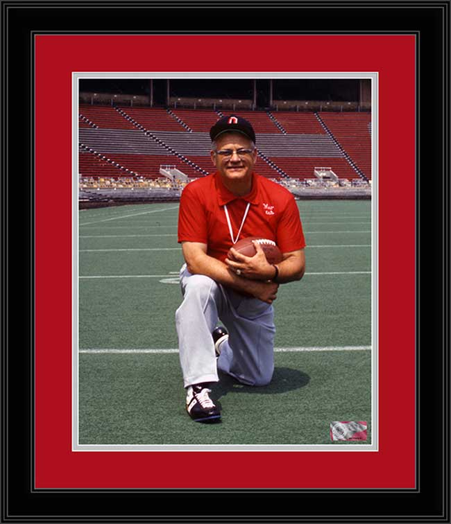 College - Ohio State Buckeyes - Woody Hayes Kneeling - 1973 - Framed Picture