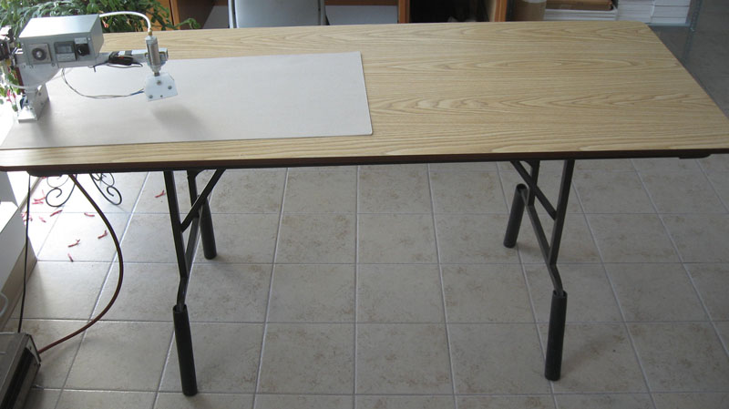 Folding Table for Tacking Images